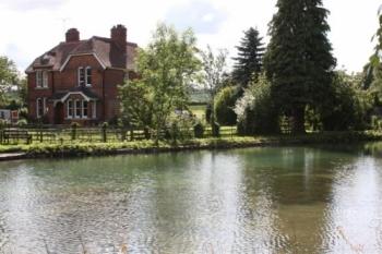 pool-cottage-bb-1-350-350