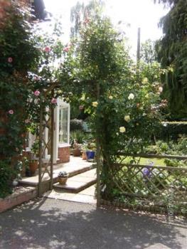 gardeners-cottage-bb-5-350-350