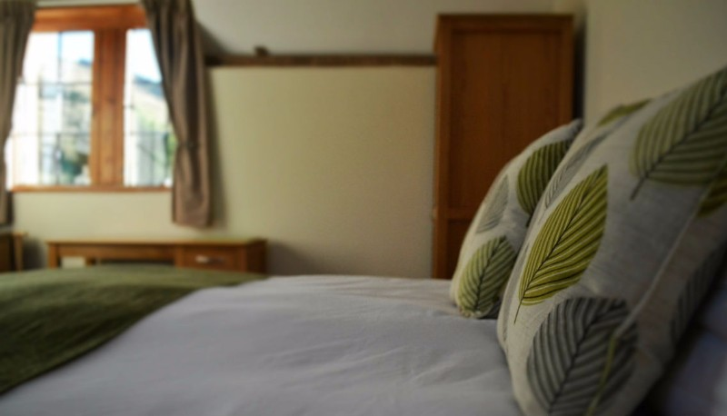 brineddin-bedroom