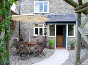 rowton-manor-cottage-1-350-350