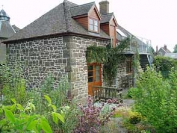 strefford-hall-self-catering-robins-swallows-nest-1-350-350