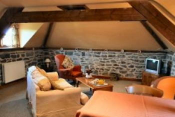 strefford-hall-self-catering-robins-swallows-nest-3-350-350
