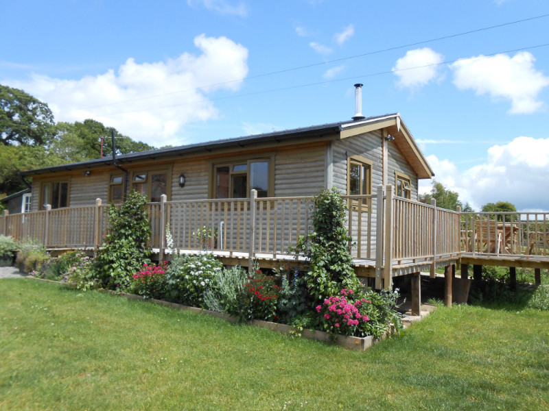 the-cabin-at-oaklands-farm-01