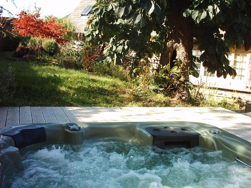 2184-Hot-tub-e