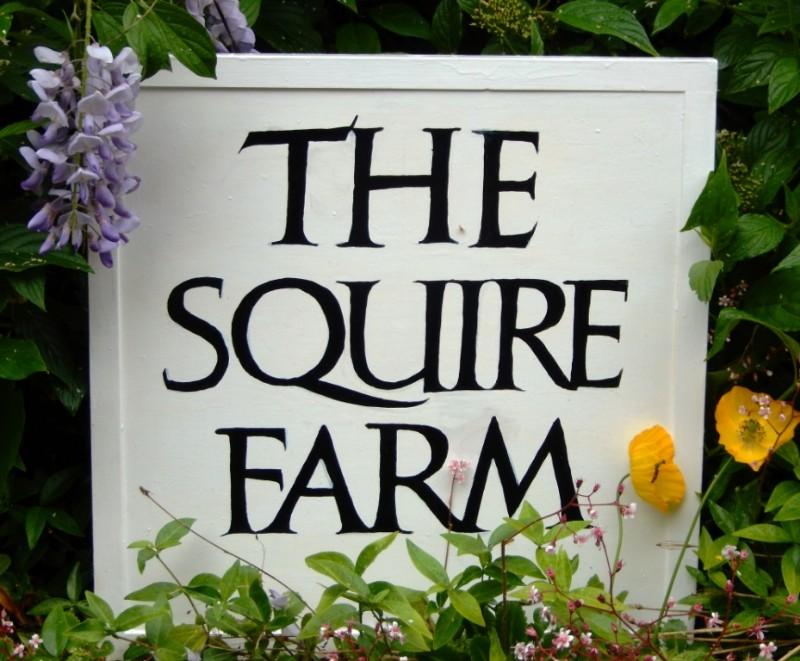 Farm-Sign-e