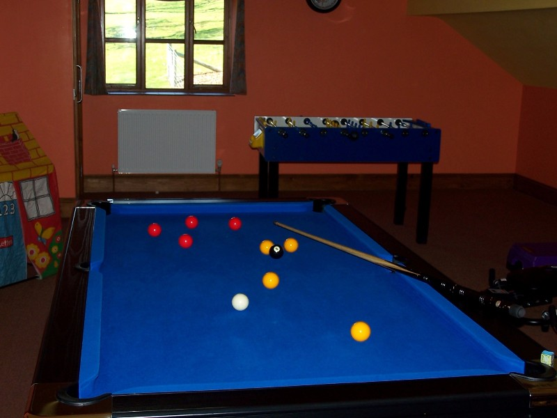 Pool-table-games-room-party-venue-shropshire-hills