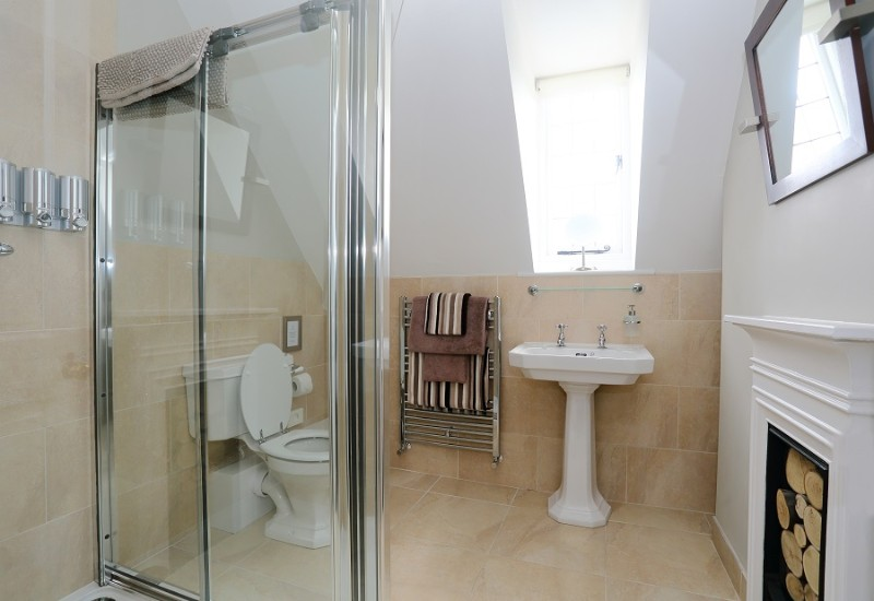 13-ensuite-with-double-shower