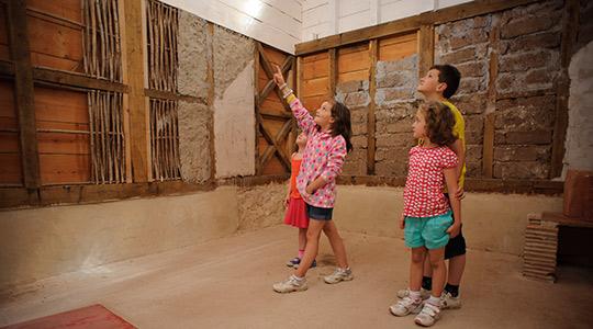 wTownhouse-inside-with-kids