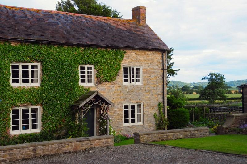 Court-Farm-front