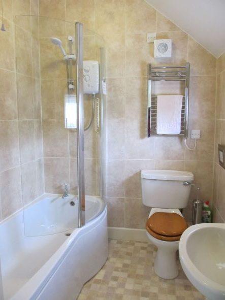 Cottage-Bathroom-small-file